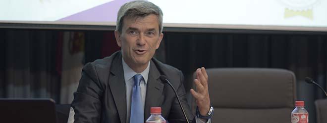 Grande affluenza di pubblico alla conferenza di Maurizio Battino a Santander (Spagna)